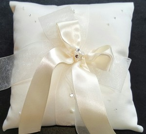 Ivory Diamond and Pearl Accent Ring Bearer Pillow