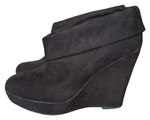 Kelsi Dagger Black Wedges