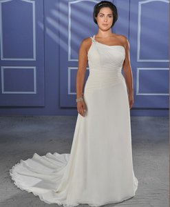 Bonny Bridal Unforgettable Collection Style 1011 Wedding Dress