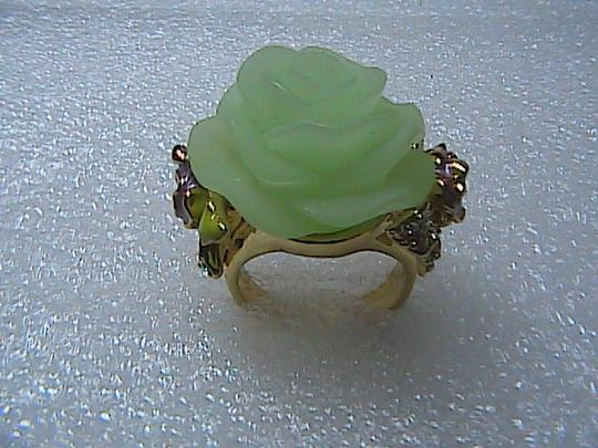 Other Fashion Gold Toned Green Flower Band Ring