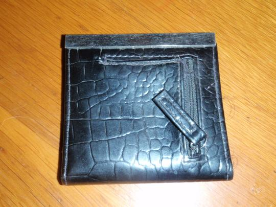 Unknown Not brand name but its bi-fold wallet