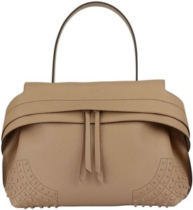 Tod's Tote in Sand