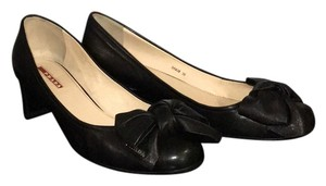 **SOLD**Prada Black Pumps