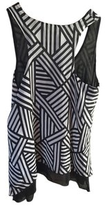 Merona Racer Geometric Top Black and white