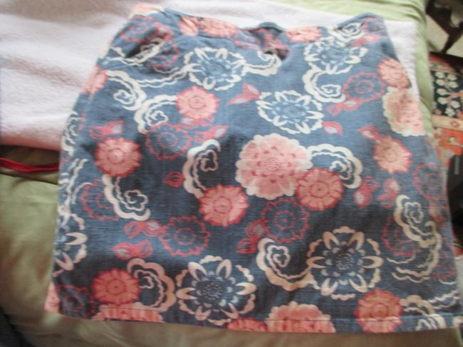 Ann Taylor LOFT Stretch Designer Floral 8 Comfortable Short Mini Mini Skirt Blue. Pink, White, multi, denim