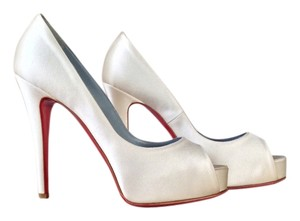 Christian Louboutin Hyper Prive Wedding 39 Off white Pumps