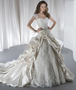 Demetrios Sposabella Collection Style# 4314 Wedding Dress