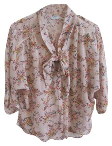 b5f14eb427 Kimchi Blue Urban Outfitters Floral Top Cream