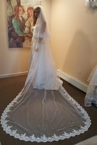Gorgeous 2 Tier Lace Diamod White Cathedral Veil Style #ec1008