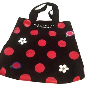 Marc Jacobs Daisy Tote in Black