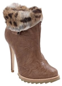 Plomo Brown Pumps