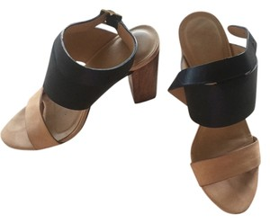Elizabeth james Like New Tan black Sandals
