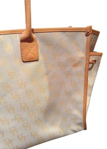 Dooney & Bourke Carryon Tote