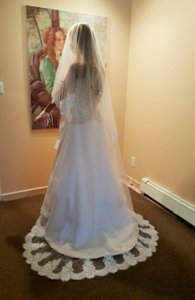 Bridal Lace Drop Veil