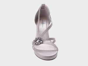 Allure Bridals Bridal Rhinestone Ornament Wedding Shoes
