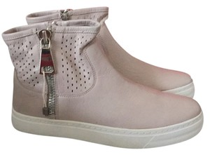 Pretty Nana Gumi Beta Perforated Leather Side Zipper Chelsea Sneakers Size: 40, 9.5 Beige Athletic