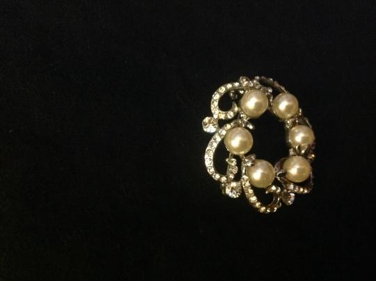 Other Beautiful pearl silver pin and cameo rose pin