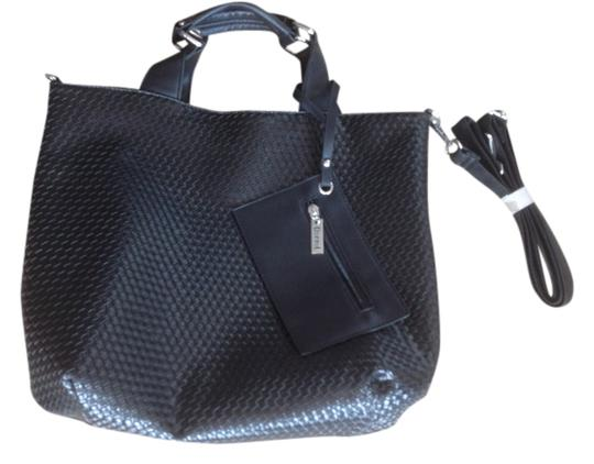Preload https://item2.tradesy.com/images/black-entreciato-leather-tote-1254771-0-0.jpg?width=440&height=440