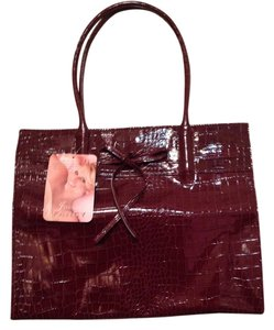 Jessica Simpson Tote in maroon