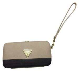 Guess Wristlet in Beige