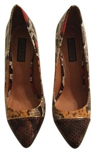 Deena & Ozzy Multicolor Pumps