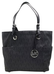 Michael Kors Jet Set East West Jacquard Signature Tote in Black / Black