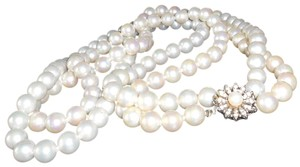 Cream Vintage Pearl Costume Necklace
