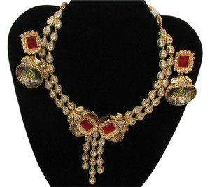 Other Kundan necklace with Red Green tone.