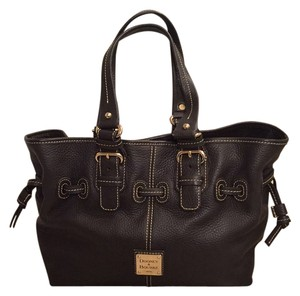 Dooney & Bourke Tote in Brown T-Moro