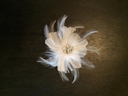 David's Bridal White Feather Piece Hair Accessory
