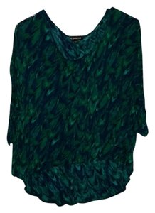 Express Hi Lo Comfortable Print T Shirt Green & Blue, peacock like design