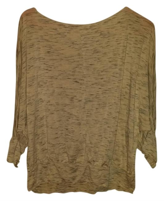 Preload https://item3.tradesy.com/images/studio-m-beige-with-black-casual-cotton-t-shirt-1256087-0-0.jpg?width=400&height=650