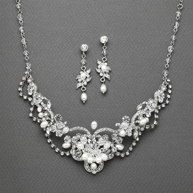 Item - Freshwater Pearl Crystal Necklace and Earrings Jewelry Set
