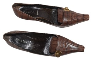 Prada Textured Crocodile Pattern Brown/Black Pumps