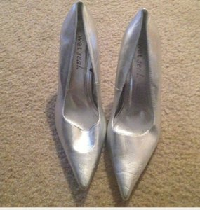 Wet Seal Silver Pumps