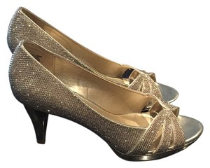 Bandolino Gold Formal