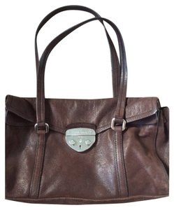 8e7dbb09c5 Prada Bags on Sale - Up to 70% off at Tradesy