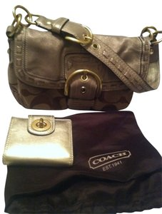 Coach Free Wallet Leather Signature Canvas Shoulder Bag