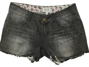 Forever 21 Shorts Dark Denim Capri/Cropped Denim-Dark Rinse