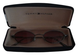 Tommy Hilfiger Tommy Hilfiger Sunglasses and Case