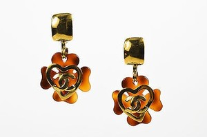 Chanel Vintage Chanel 95p Gold Tone Tortoise Resin Cc Heart Clover Clip On Earrings
