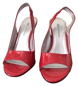 AK Anne Klein Medium Red Pumps