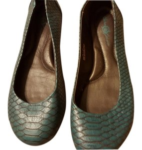 Crown by Børn Leather Snakeskin Embossed Turquoise Flats