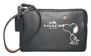 Coach Coach Peanuts Snoopy Black Leather Limited Edition Wristlet Wallet 65193