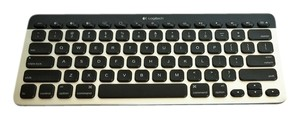 Bluetooth(R) Keyboard Illuminated East Switch Keyboard K811 for Mac, iPad, iPhone by LOGITECH [ Roxanne Anjou Closet ]