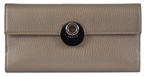 Gucci New Gucci Women's 231835 Metallic Beige Leather Continental W/Coin Wallet