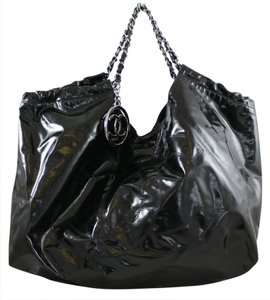 Chanel Shoulder Patent Leather Tote in Black