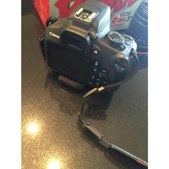 Canon EOS Rebel T5 DSLR Camera with 18-55mm IS Lens Image 4