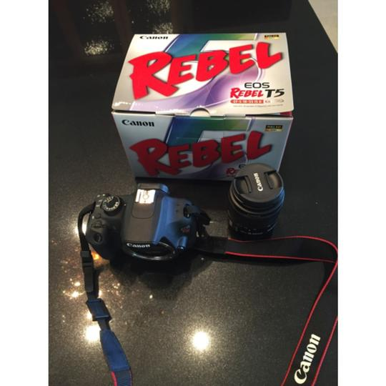 Canon EOS Rebel T5 DSLR Camera with 18-55mm IS Lens Image 7