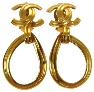 Chanel Auth CHANEL Vintage 96P CC Logo Clip-on Drop Earrings Gold tone